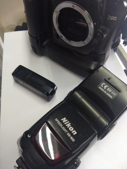 Câmera Nikon D90 Com Grip + 2 Baterias + Flash Sb800