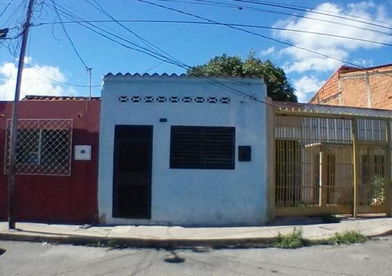 Casas En Venta En Zona Centro De Barquisimeto, Lara Rahco