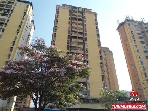 Apartamento En Venta En Urb El Centro 19-14326 Mcm