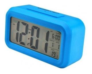 Reloj Despertador Digital Alarma Con Luz A Pilas