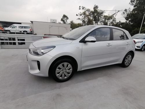 Imagen 1 de 10 de New Kia Rio Hatchback Std 2018