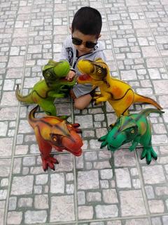 Dinosaurios Gigantes De Goma.