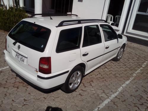 Se Vende Automóvil Volkswagen Parati Año 2002. 1.800 Cc.