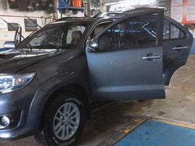 Camioneta Toyota Fortuner 2013 4x4 Excelente Estado.