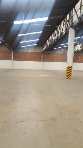 4000 Bodega Independiente, Entrada De Trailer, Oficinas
