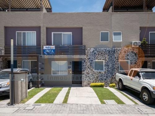 Casa En Venta En El Refugio En Condominio Quintas Los Robles Residencial