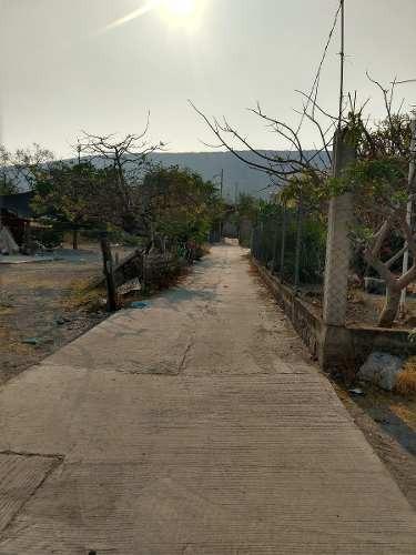 Casa En Col Nicolás Bravo Atrás De La Gasolinera
