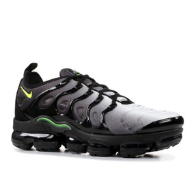 Tênis Nike Air Vapormax Plus - Cinza E Preto