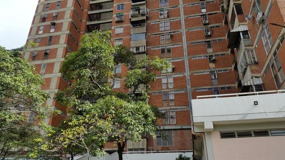 Se Vende Apartamento En Plaza Venezuela 20-1318