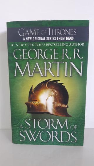 Livro A Storm Of Swords Inglês