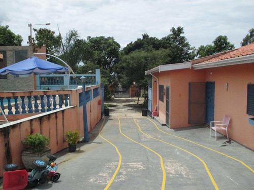 Chácara Com 3 Dorms, Estância Lago Azul (ártemis), Piracicaba - R$ 900 Mil, Cod: 3299 - V3299