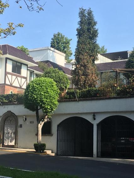 Preciosa Casa En Condominio En Bosques De Las Lomas!