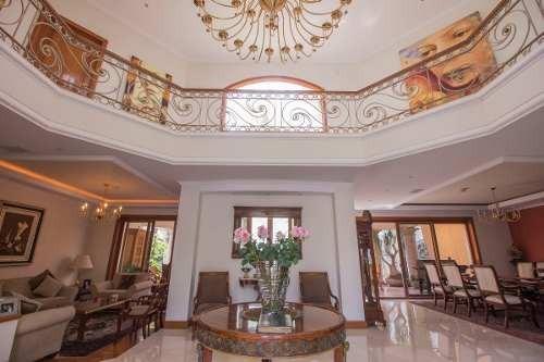 Hermosa Casa Con Acabados De Lujo En Puerta De Hierro