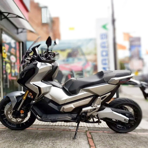 Honda X-adv 750 Plateada 2018
