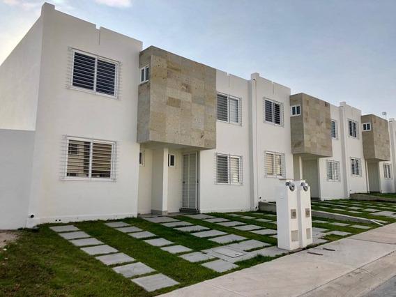 Casa En Renta Avenida Los Encinos, Calle Caliza, Fraccionamiento Los Encinos, Coto Aragua., Queretaro
