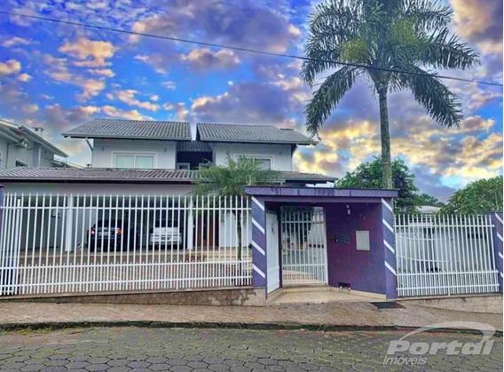 Casa No Bairro Fortaleza, Semi-mobiliada, Com 5 Quartos, Sendo 3 Suites, 3 Vagas De Garagem Coberta, Área De Festas,piscina E Demais Dependências. - 3579758v