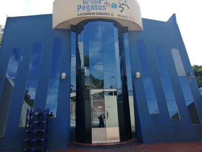 Edificio De Oficinas Frente Al Puerto De Manzanillo
