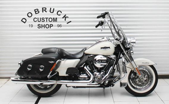 Harley Davidson Touring Road King Classic Equipada!
