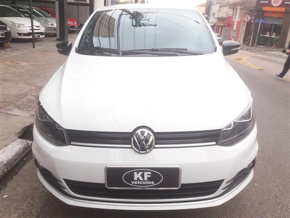 Volkswagen Fox 1.6 Msi Total Flex Connect 4p I-motion 2017/2