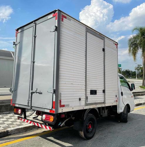 Imagem 1 de 4 de Bau Isolado 3m Hyundai Hr
