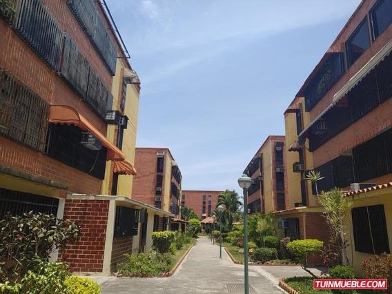 Apartamento En Venta Guaicamacuto Maracay 19-9684