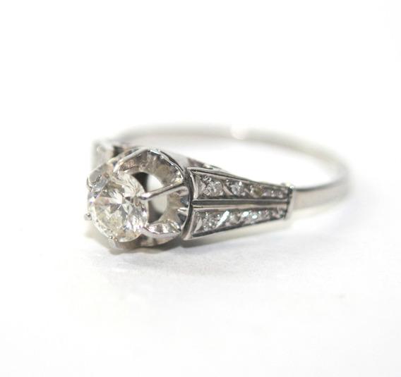 Anel Solitário Com Diamante De 50pt Em Ouro Branco - D743