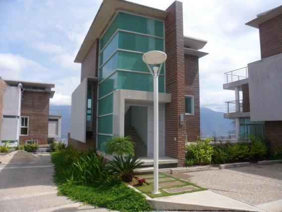 Casa En Alto Hatillo 3 Habitaciones 4 Baños