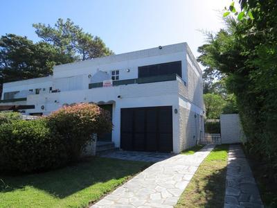 Duplex En Venta En Pinamar-3 Ambientes-2 Baños-jardin-patio-balcon-parrilla