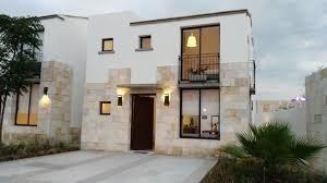 Casa Nueva En Torre De Piedra En El Refugio Residencial