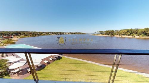 Espectacular Vista Al Mar. Primera Linea. Punta Del Este.-ref:4404