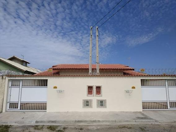 Casa Com Piscina E Com Churrasqueira Em Itanhaém.