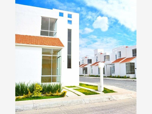 Imagen 1 de 10 de Casa Sola En Venta Fracc En Villas Residencial