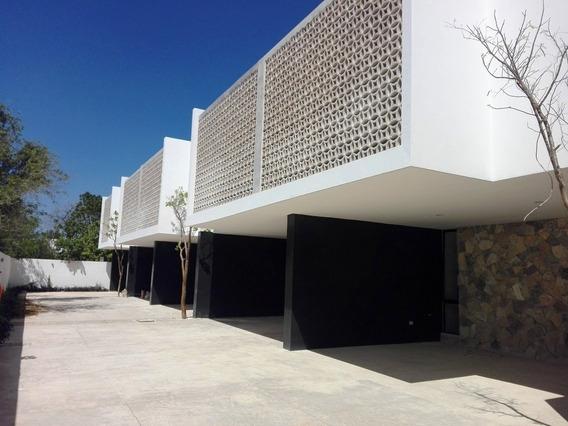 Townhouse En Venta En Montes De Ame, Privada. Thv-5132