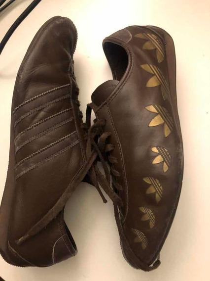 Zapatillas adidas Mod Okapi Marrones Con Logos Dorados Uk7