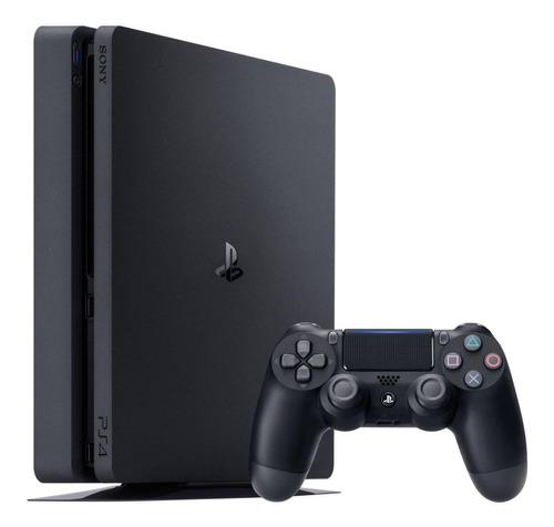 Imagen 1 de 4 de Sony PlayStation 4 Slim 1TB Hits Bundle: God of War/Horizon Zero Dawn Complete Edition/Shadow of the Colossus color  negro azabache