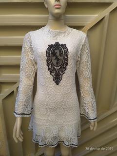 Vestido De Renda Branco Com Preto Manga Longa
