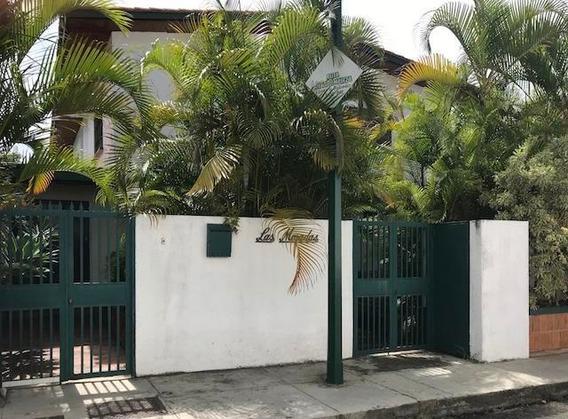 Casa En Alquiler Colinas De Bello Monte Mls #20-11582