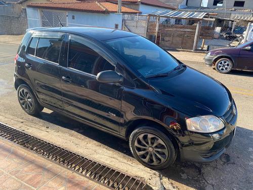 Imagem 1 de 10 de Volkswagen Fox 2010 1.0 Vht Plus Total Flex 5p