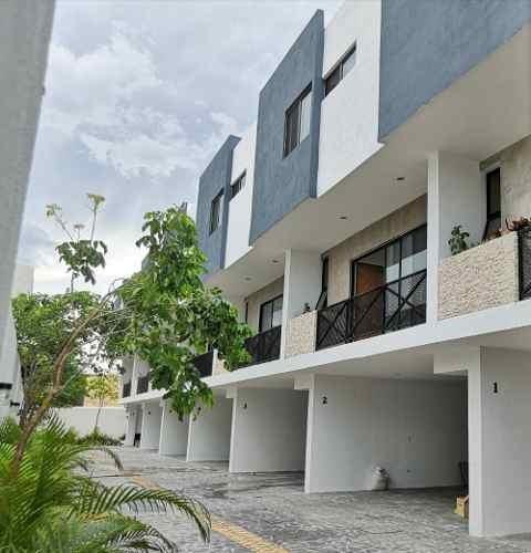 Townhouse En Renta Amueblado En Montebello Thr-6212