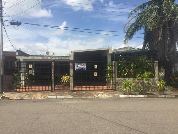 Se Vende Casa En Urbanizacion La Floresta