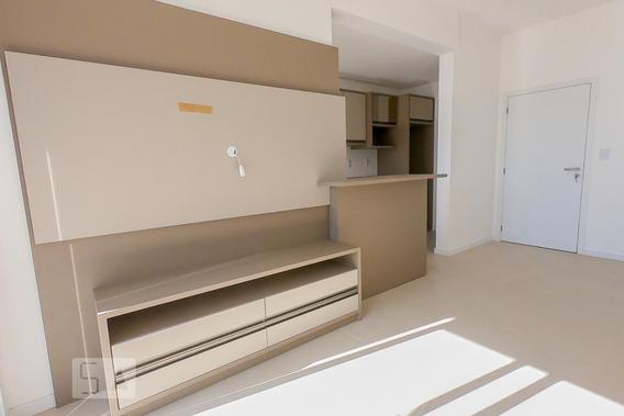 Apartamento No 3º Andar Com 2 Dormitórios E 2 Garagens - Id: 892944090 - 244090