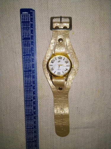 Relógio De Pulso Feminino Quartz Pulseira Couro Dourado 4116