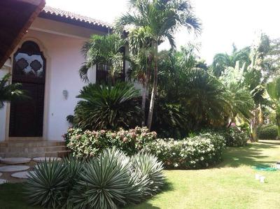Villa En Casa De Campo Amueblada
