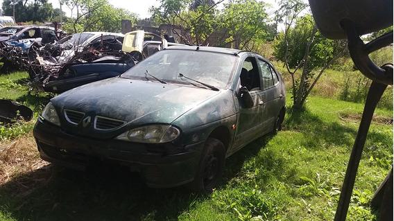Renault Megane Resto De Banco Chocado Por Partes