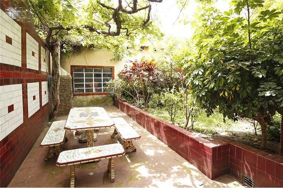 Casa 3 Amb Cochera Patio Terraza Jardín Parrilla