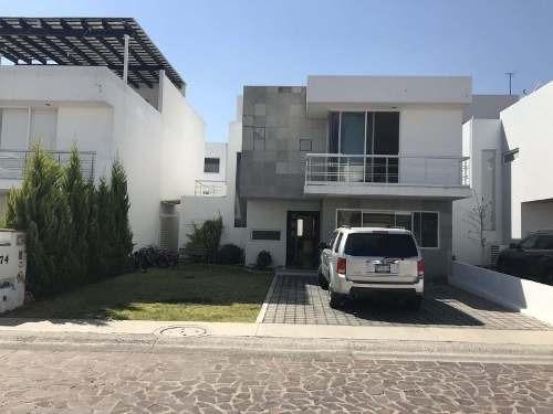 Casa Sola En Venta Cumbres Del Lago (fracc.)