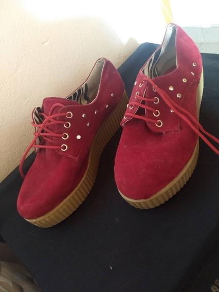 Zapatos De Gamuza Rojos Con Tachas