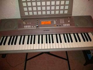 Se Vende Piano Yamaha Psr E 303 Con Atril Y Adaptador