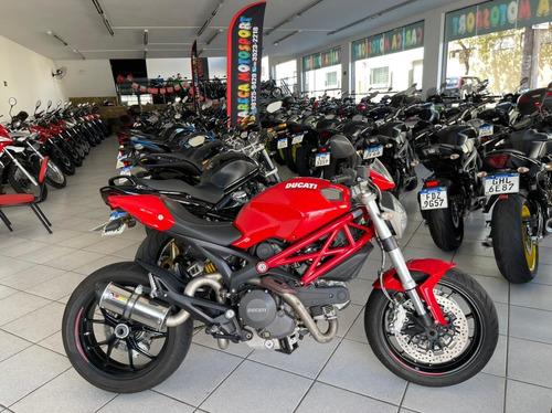 Imagem 1 de 8 de Ducati Monster