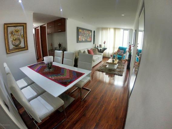 En Venta Apartamento En Mazuren Mls 20-381 Fr